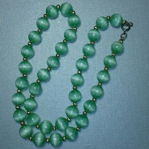 1930s Glass Beads Necklace, Apple Green